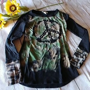 2 for $10❤Peace Sign Long Sleeved Tee